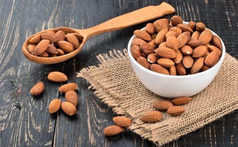alimentos para reducir los antojos de azucar almendras