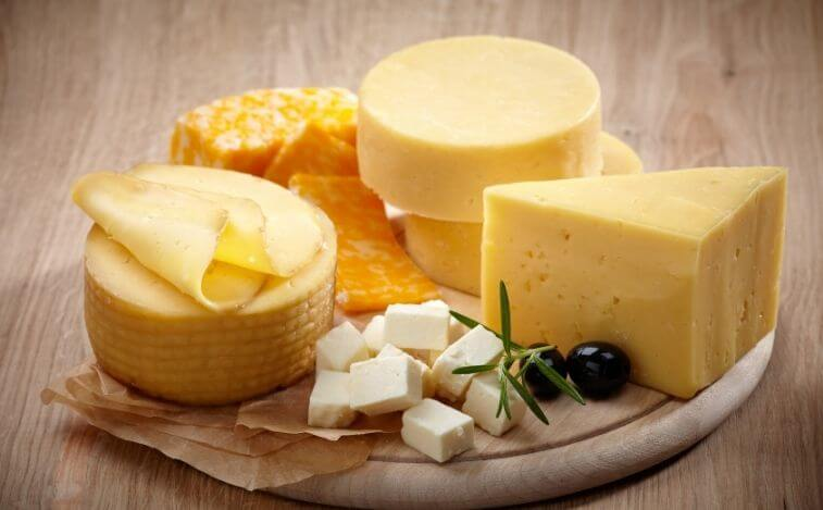 alimentos para reducir los antojos de azucar queso