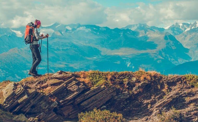 beneficios del trekking y de los deportes de montaña